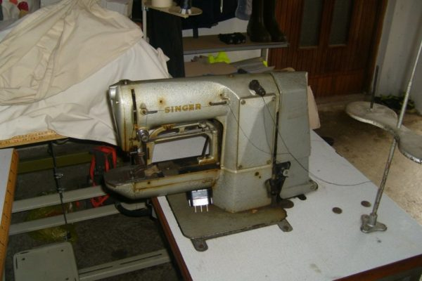 sivaca-masina-tekstil-slika-27196153-1.jpg