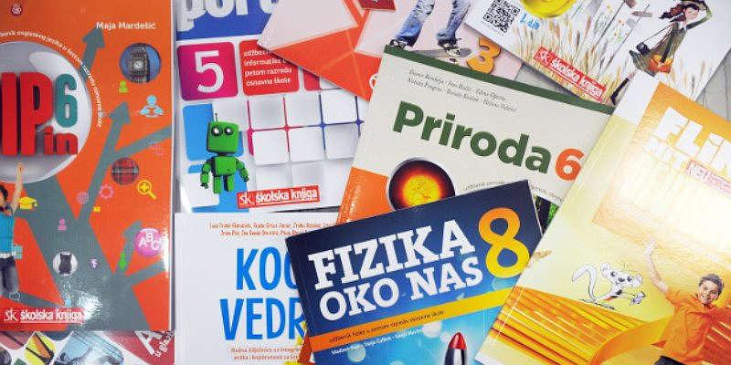 Udžbenici i radne bilježnice s priborom spremni za karlovačke đake