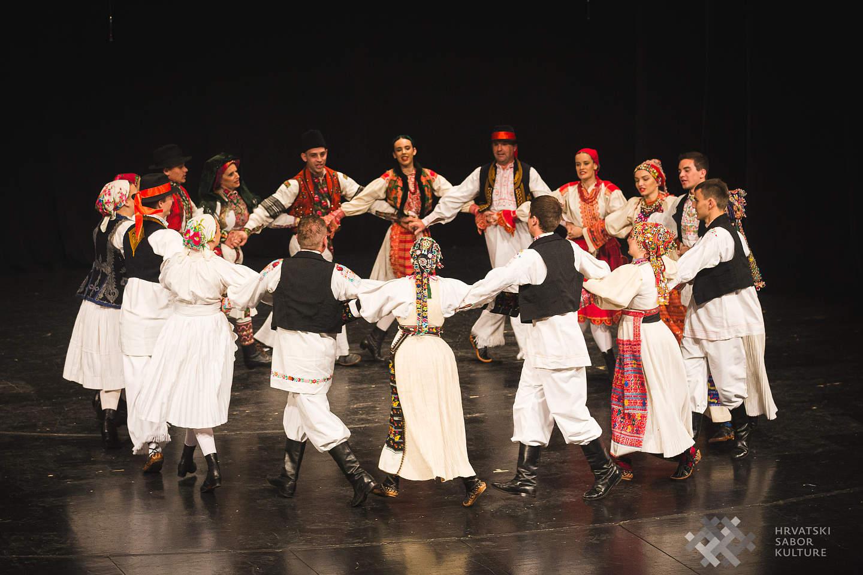 FA Matija Gubec osvojio 2. mjesto i opanke na susretu folklornih ansambala i izvornih skupina